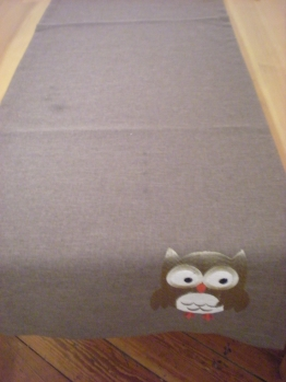 Owl table runner