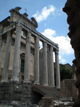 Foro Romano: Impressive but severely lacking in shade!