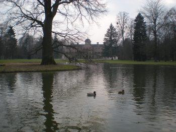 Schloss Favorite back view