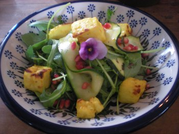 Halloumi and courgette salad