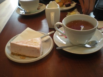 Strawberry cheesecake and tea... with milk!
