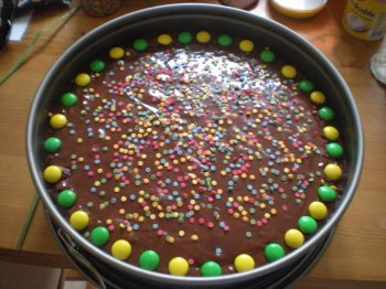 Colourful Mississippi Mud Pie