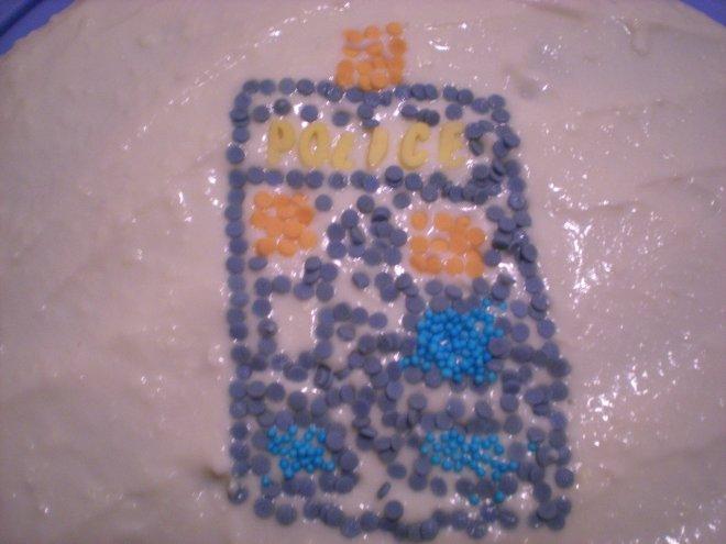 Tardis cake decoration