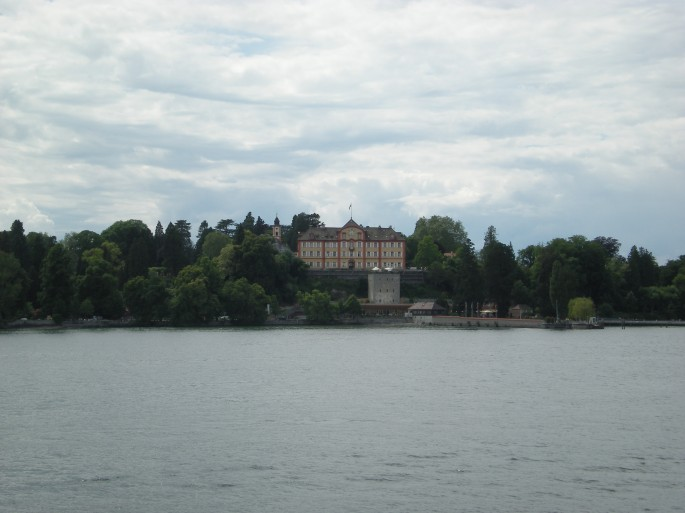 Approaching Mainau on the boat. The builing is a palce owned by the Bernadotte family