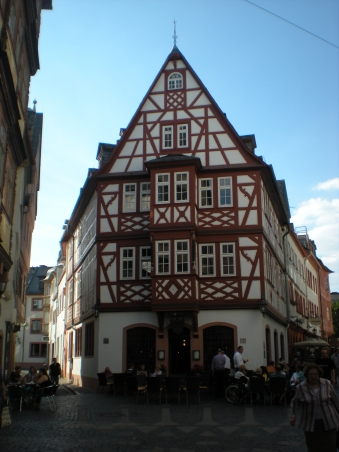 Half-timbered building!