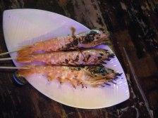 Giant shrimps? Small fish? No idea!