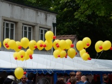 Smiley ballons with noses!