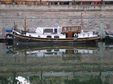 Cute boat!