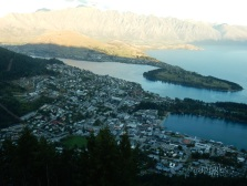 Queenstown, Lake Wakatipu and mountains