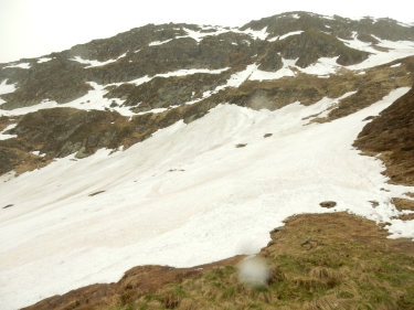 I went most of the way across this bit of snow then didn't want to go any further... it was scary!