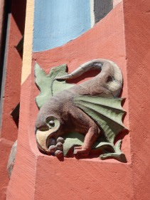 Jan thinks this is a basilisk... I was thinking some kind of weird crow. What do you reckon?