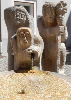 Narrenbrunnen (jester's fountain)