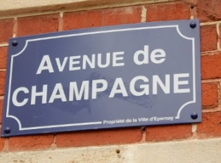 Avenue de Champagne sign