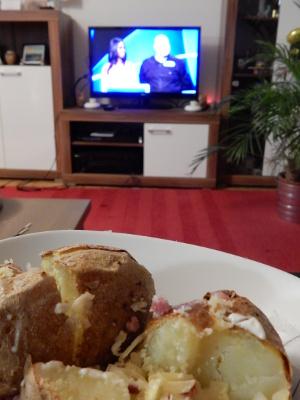 11-food+TV