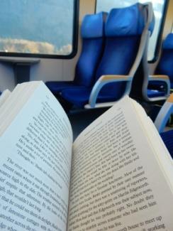 10-train reading