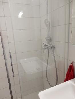 2 shower